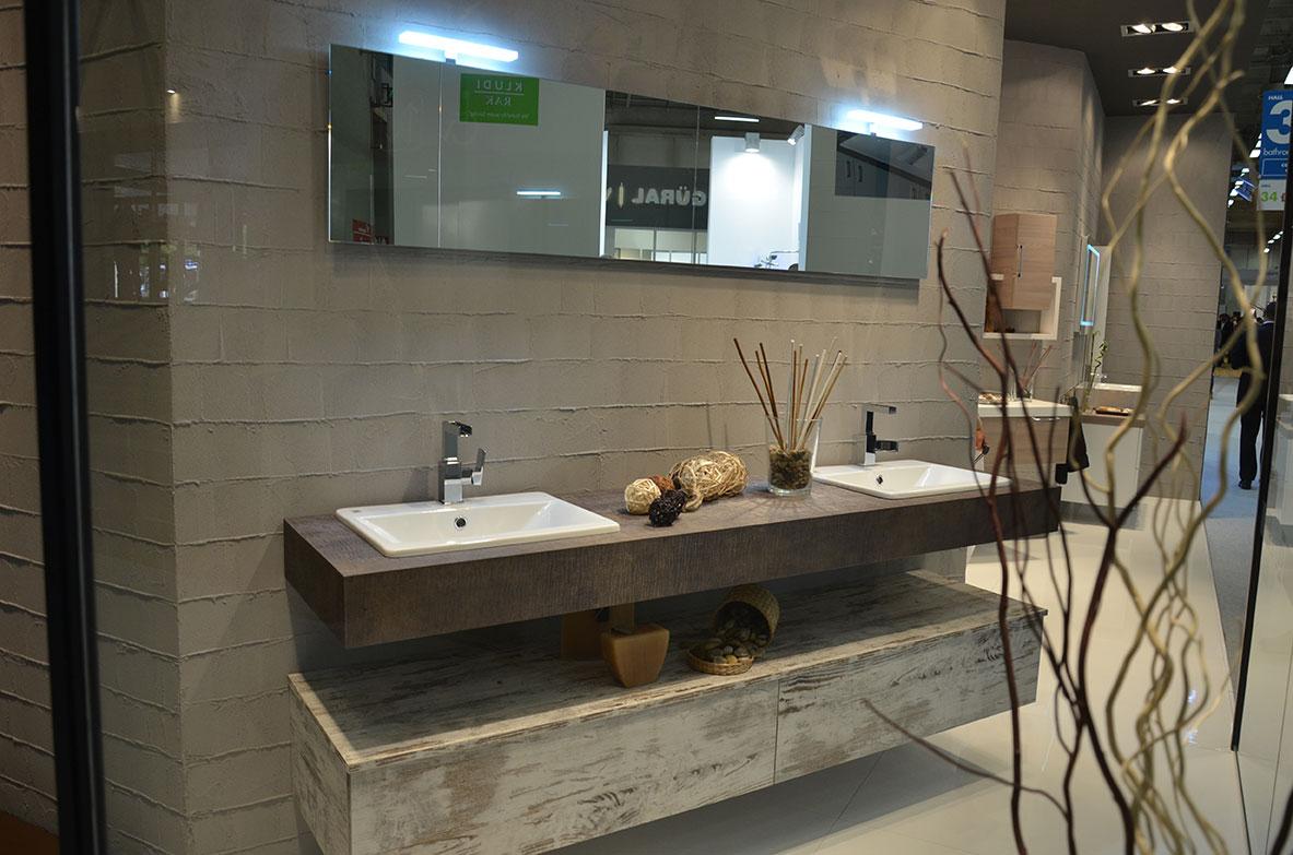 Bagni e cucine mobili da bagno moderni hidrobagno for Servizi da bagno moderni